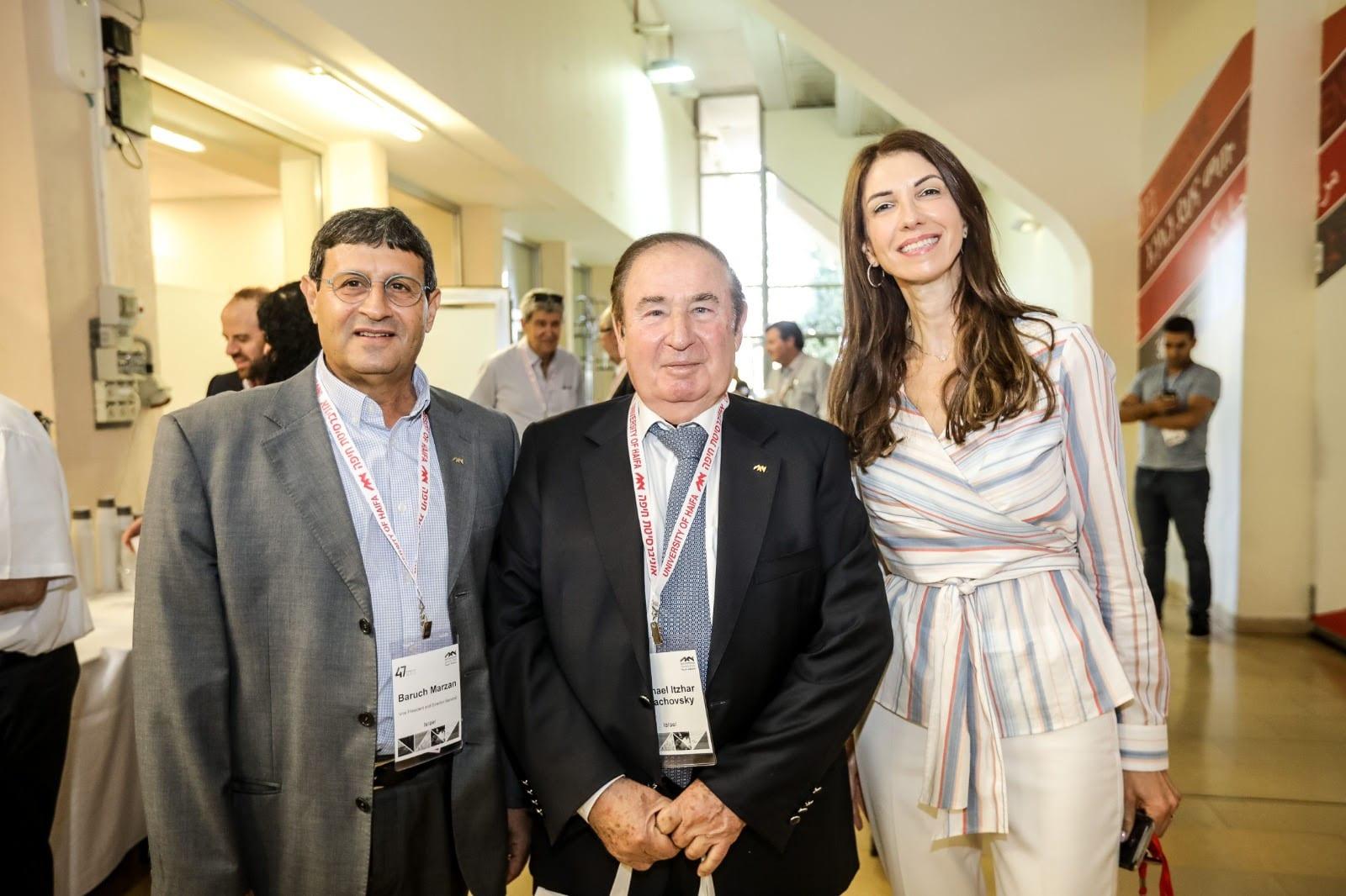 """מימין לשמאל: שירה בן-אור (מנכ""""לית אגודת הידידים), מיכאל יצהר בלחובסקי, ברוך מרזן (סגן נשיא ומנכ""""ל)"""